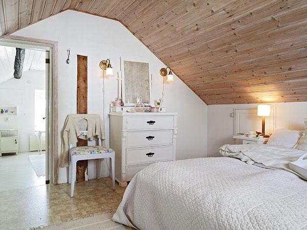 attic room 21