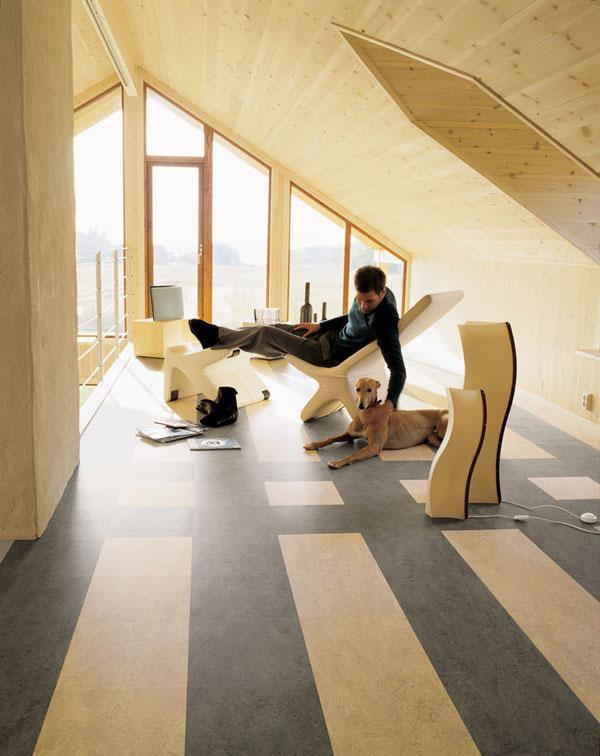 attic room 34
