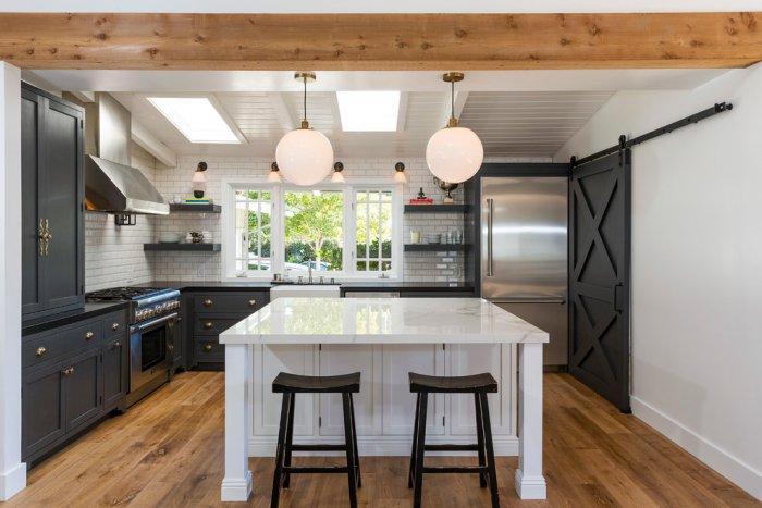 beach style kitchen 2