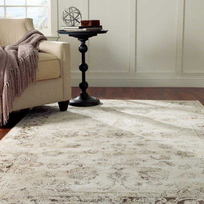 Luxurious area rug - with worn-out look