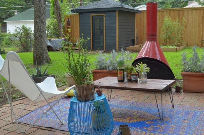 Modern outdoor lounge - with metal frame