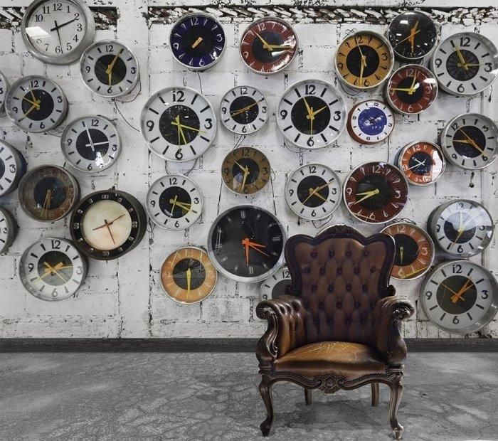 Creative Wall Clocks for Unique Interiors