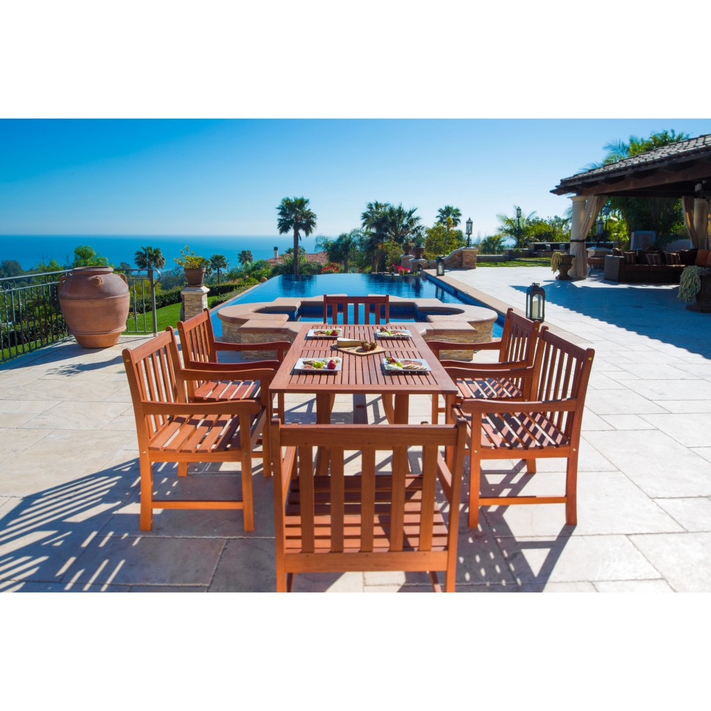 Contemporary outdoor dining set - near a pool