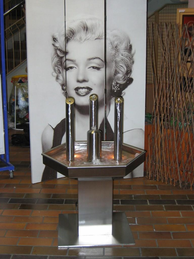 Marilyn Monroe indoor fountain - made of metal