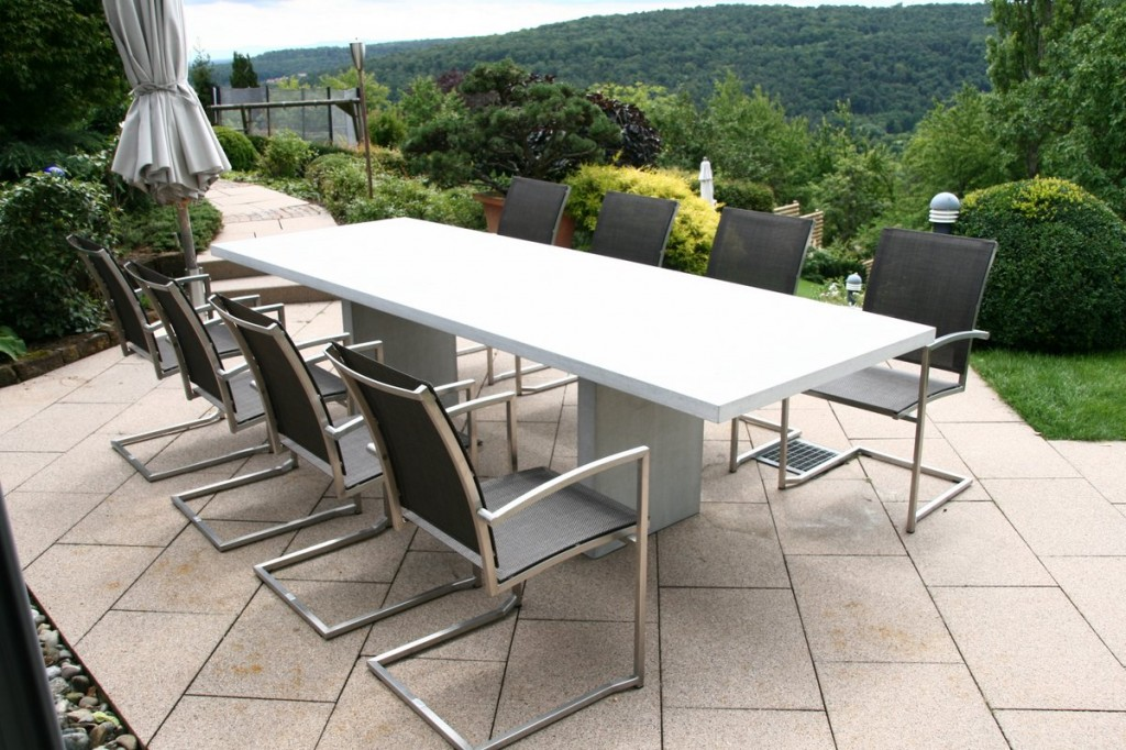 Minimalist outdoor dining set - with modern chairs