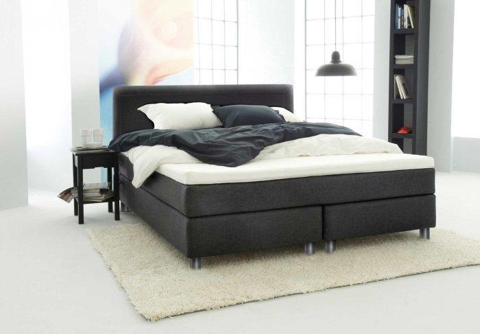 Modern queen size bed - in black