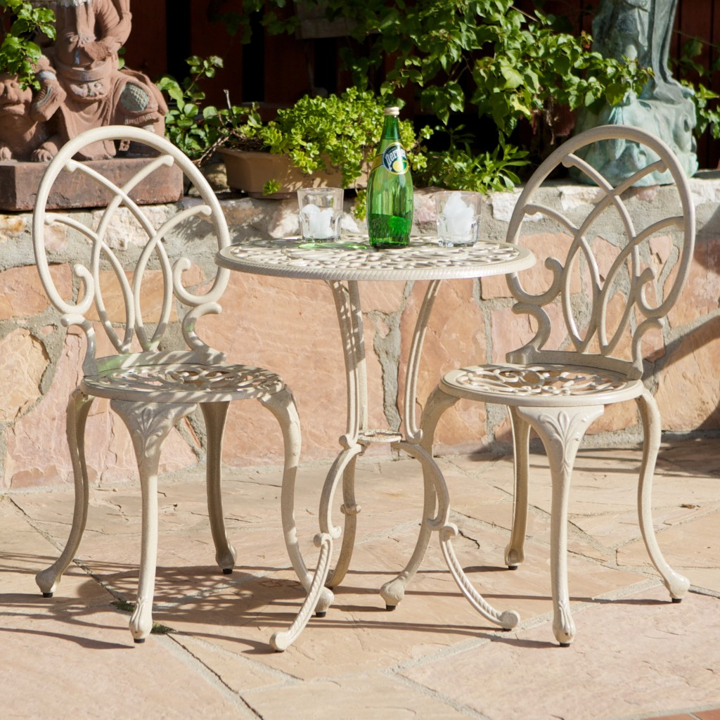 Romantic outdoor dining set - for two