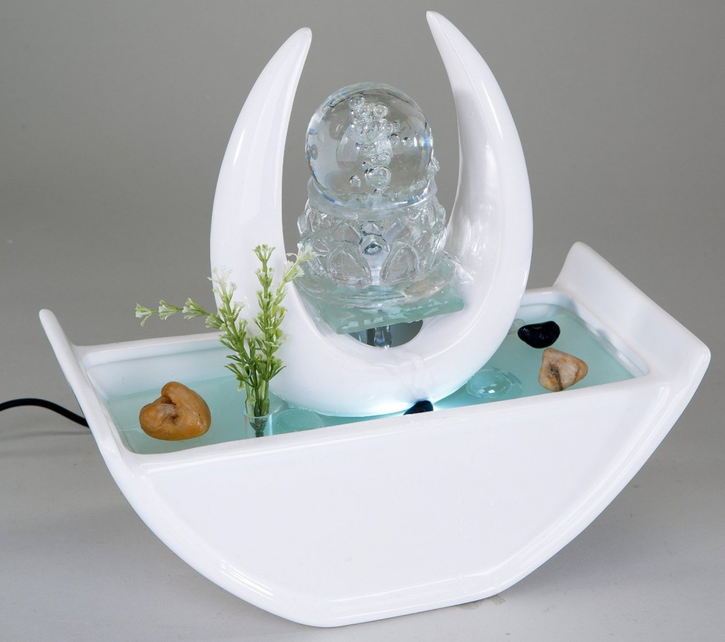 Stylish indoor fountain - in white