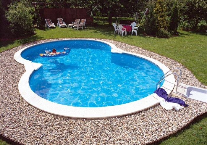 garden swimming pool with pebbles founterior. Black Bedroom Furniture Sets. Home Design Ideas
