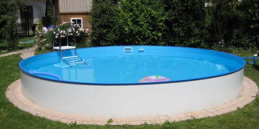 Round swimming pool - for the backyard