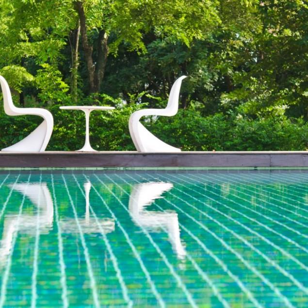 Modern Swimming Pools for Backyard or Front Garden