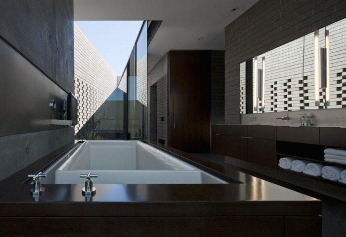 Bathroom suite 9