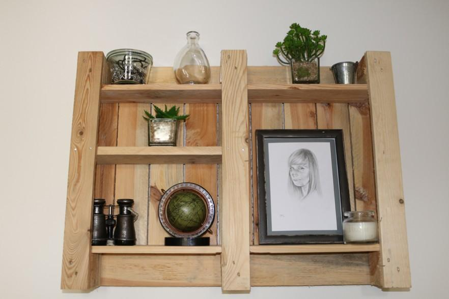 Beautiful pallet shelf - for wall use