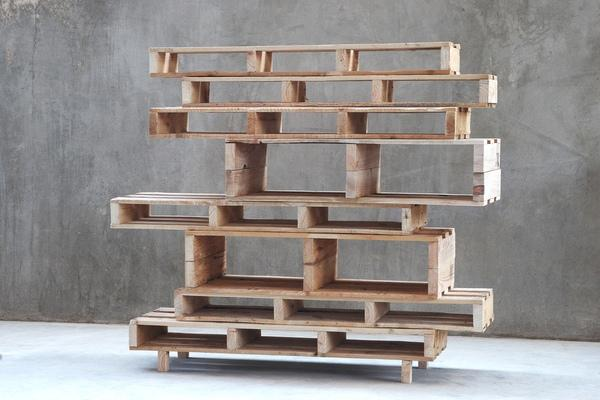 Creative pallet shelf - made of wood