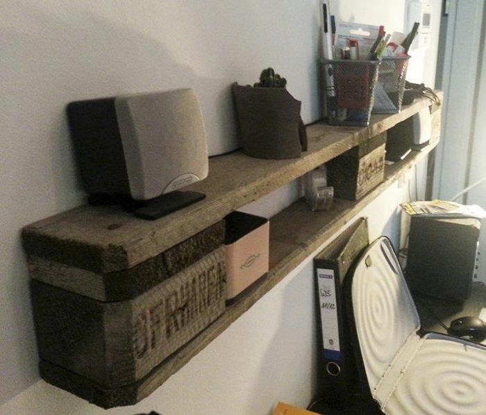 DIY pallet shelf - for storing stuff