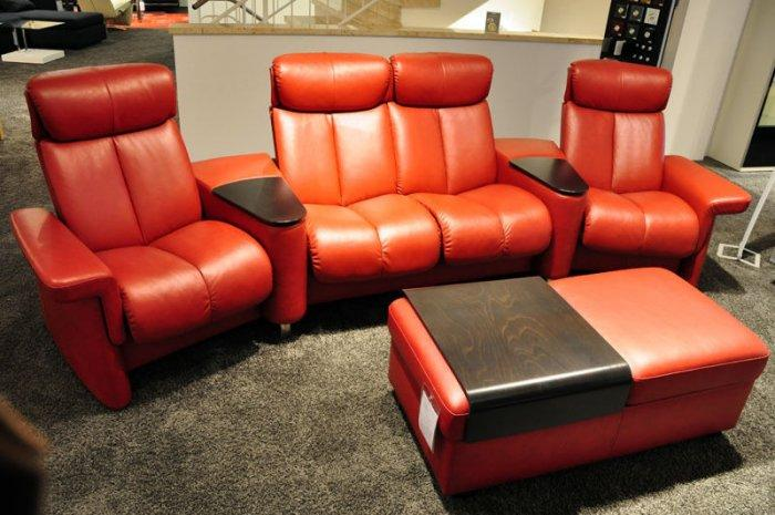 Home theater armchairs in red