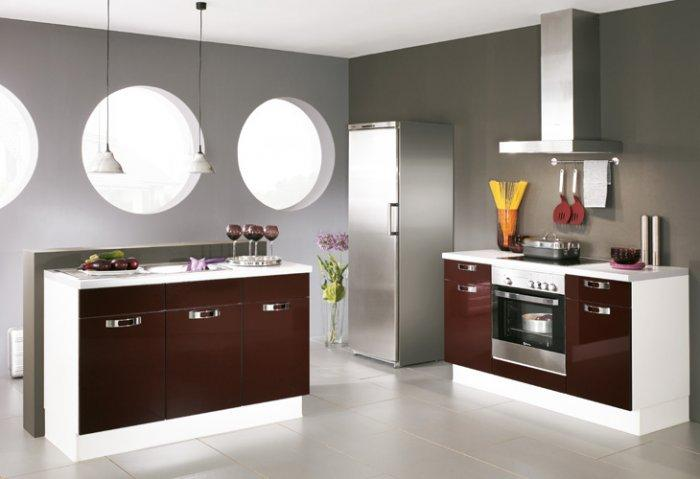 Kitchen design with small countertops