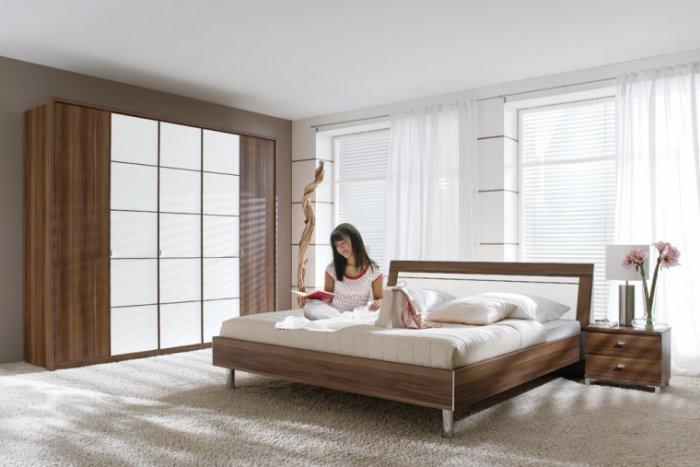 Bedroom Design with wooden bed