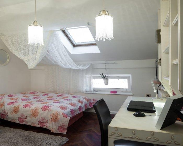 Neon Home Decor Ideas3
