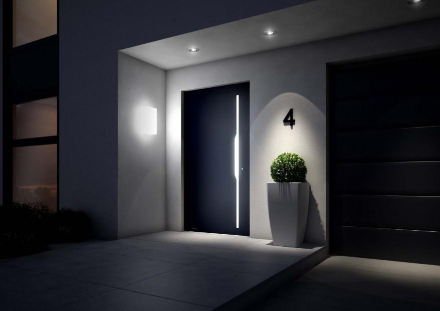 House Outdoor lighting at the entry door