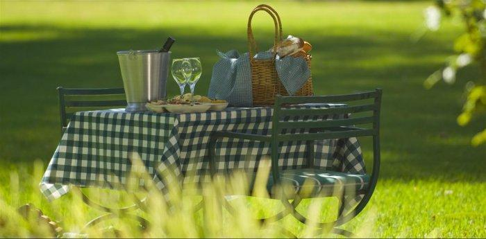 my memorable picnics Easy picnic food ideas quick and easy summer picnic recipes that will take no time at all to make two very memorable picnics stand out in my mind.