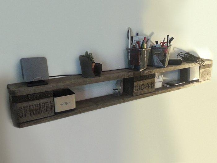 Simple pallet shelf - for living room