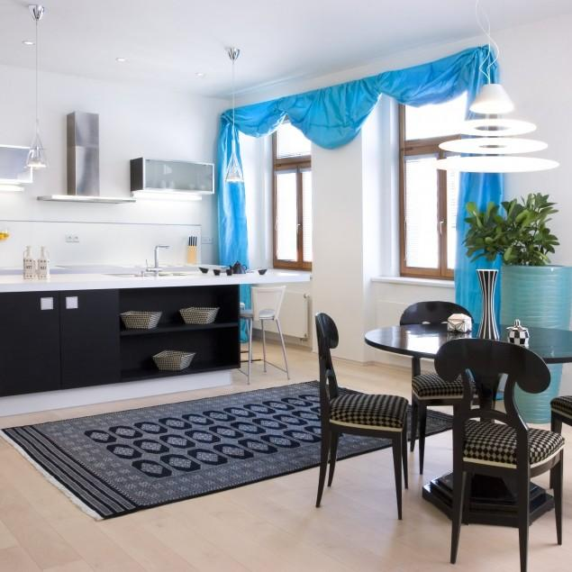 Advantages of the finely balanced asymmetry in interior designs