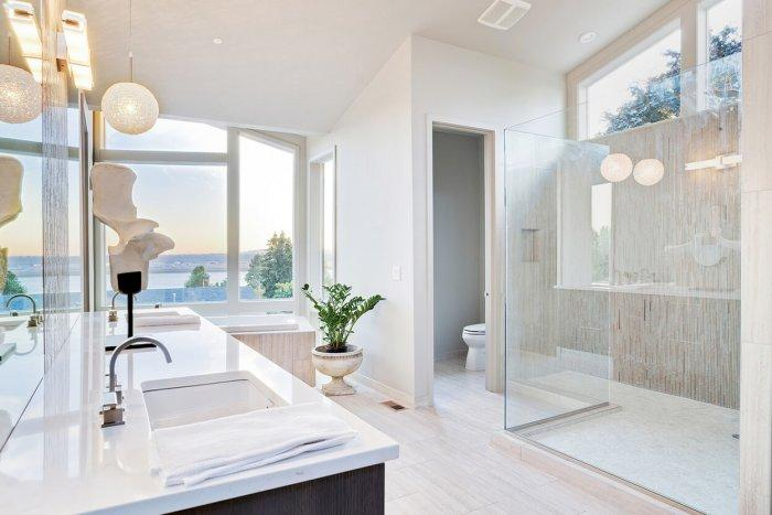 The Hottest New Home Amenities for 2016: A Gorgeous Master Bathroom