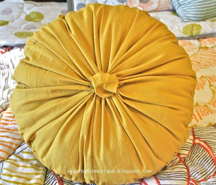 Decorative Pillows - a Perfect Touch To Interior Design: Flower-styled pillow without sewing