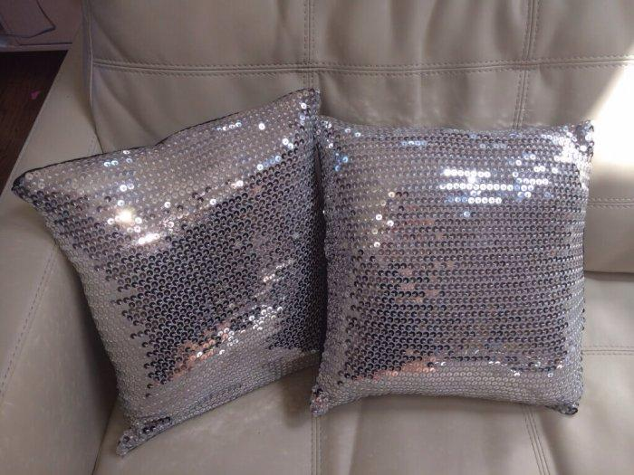 Decorative Pillows - a Perfect Touch To Interior Design: Glittering sequin pillow
