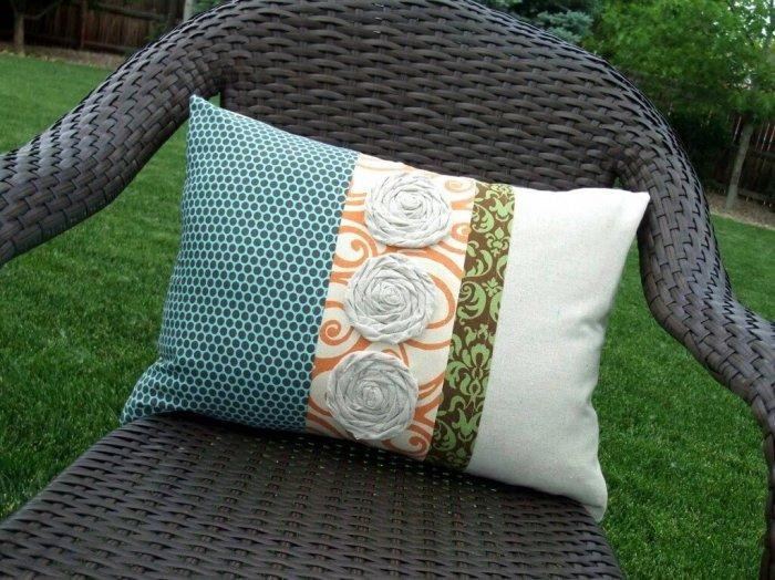 Decorative Pillows - a Perfect Touch To Interior Design: Mixed pattern pillow
