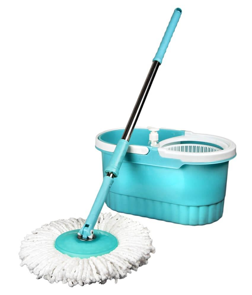 Achieving a Squeaky Clean: Floor mop