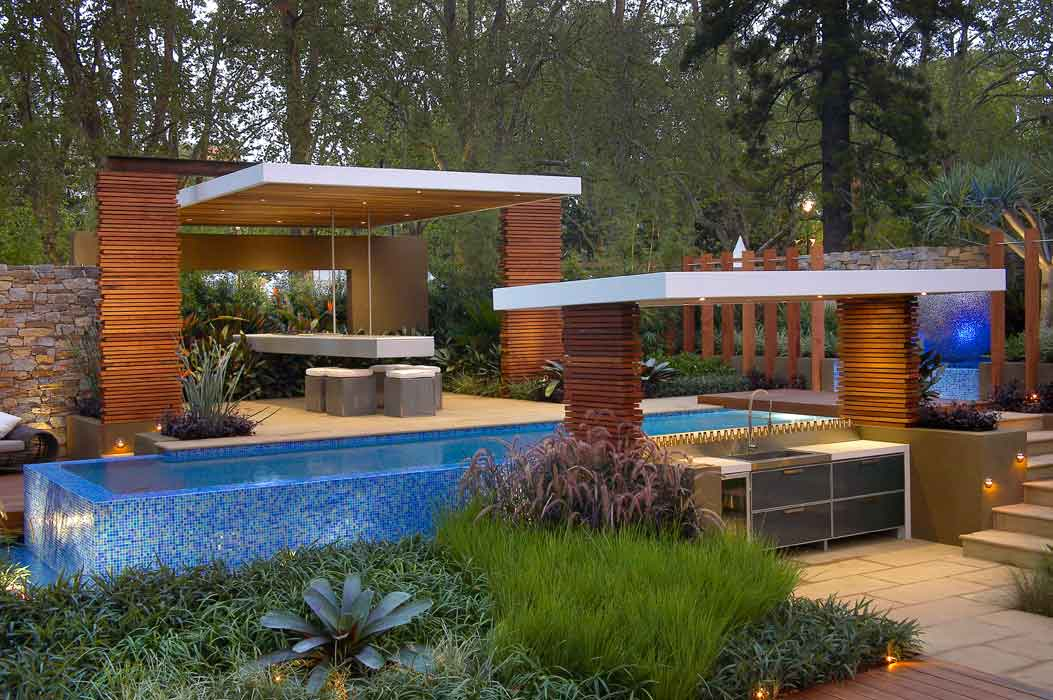 The Art of Designing the Garden of Your Dreams: Gazebos, Sheds and Other Decorative Structures