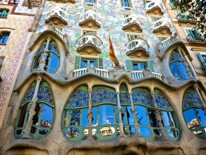 Reasons Why You Love Modern Architecture: Art Nouveau'