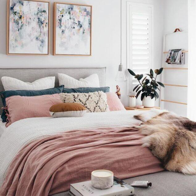6de42671d30f09e3e7eb63c2afdd2b5b-girly-minimalist-bedroom-boho-modern-decor-bedroom