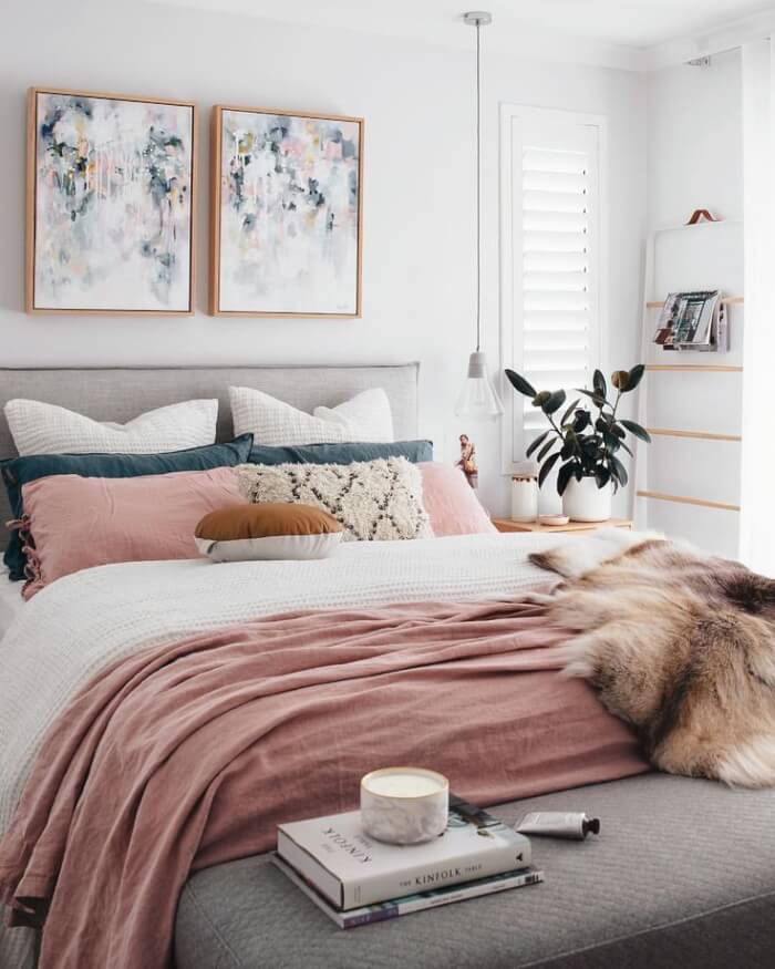 6de42671d30f09e3e7eb63c2afdd2b5b Girly Minimalist Bedroom Boho Modern Decor