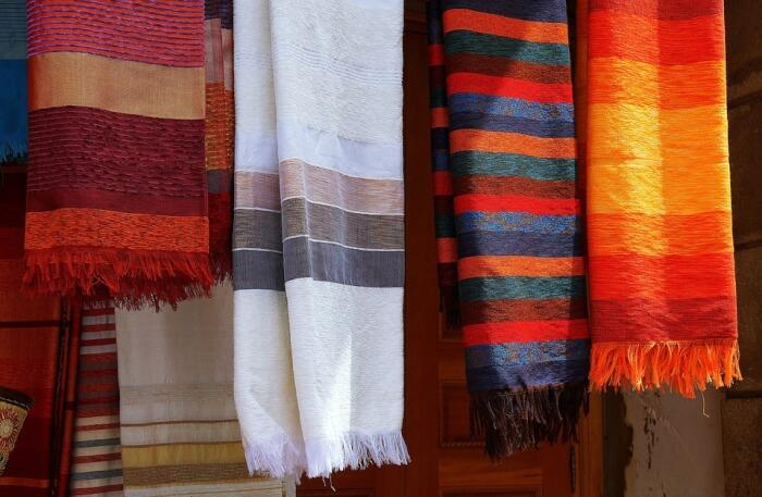Native_American_Rugs_-_Our_Favorite_Hidden_Gem.jpg
