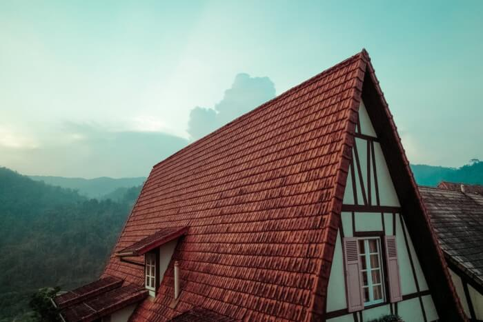 Roofing_Repair_Contractors_-_5_Things_To_Know_Before_Hiring.jpeg