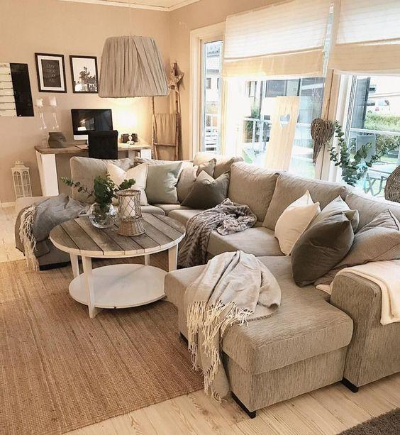 Brilliant in Beige - Easy and Snug