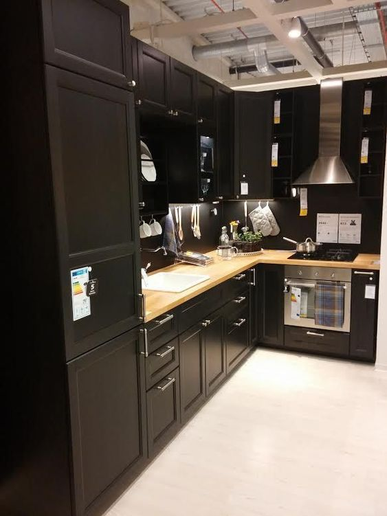 Sophisticated in Black – Kitchen Cabinet Storage Ideas