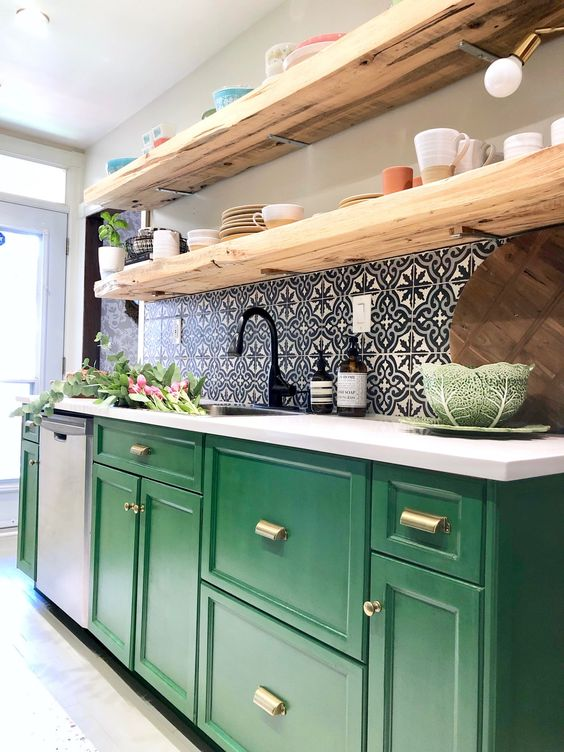 Separating the Counter from the Cabinets – A Groovy Look