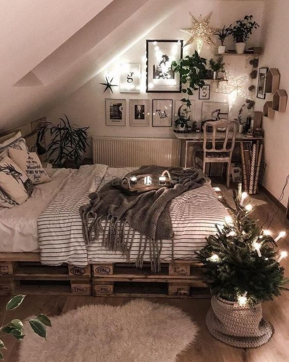 Creative and Unique - Small Bedroom Ideas for Teenage Girl