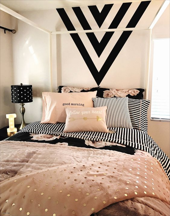 Geometric Patterns - Small Bedroom Ideas for Teenage Girl