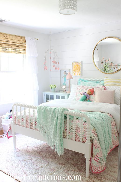 Relaxing and Bright - Little Girl Bedroom Ideas