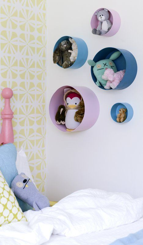 Organising the Toys - Small Holes on the Walls