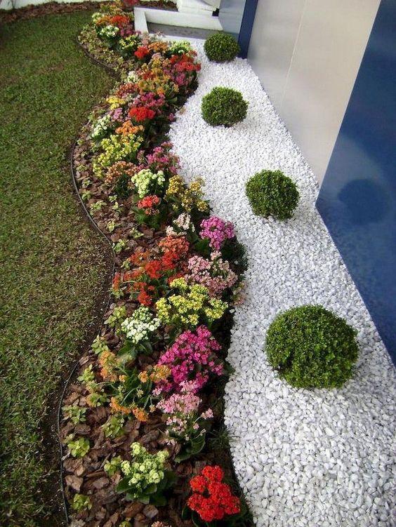 A Vibrant Design - Garden Edging Ideas