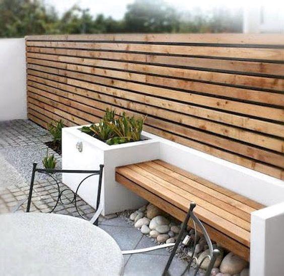 Installing Wooden Panels – Very Cheap Garden Fence Ideas