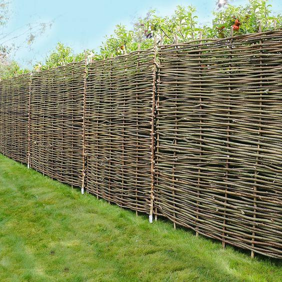 DIY Wattle Fence - Put it Together by Yourself