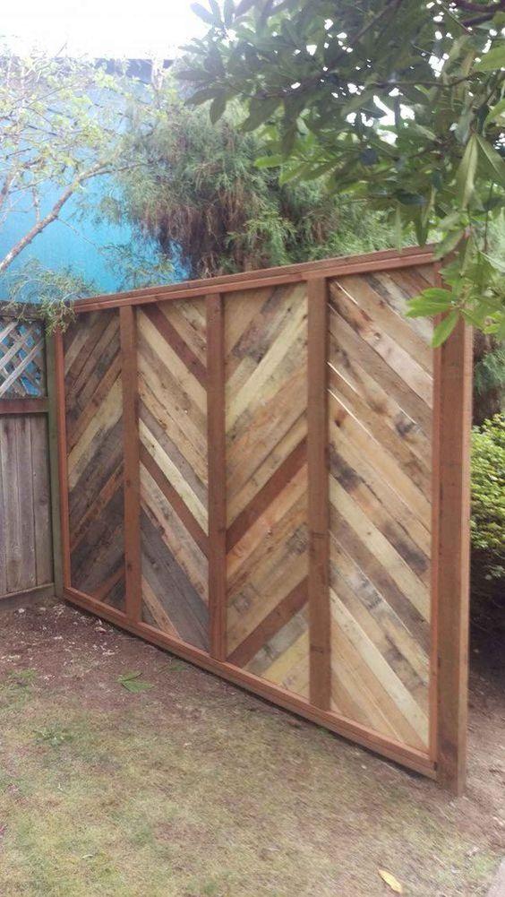 Getting Creative - Cheap Fence Ideas for Backyard