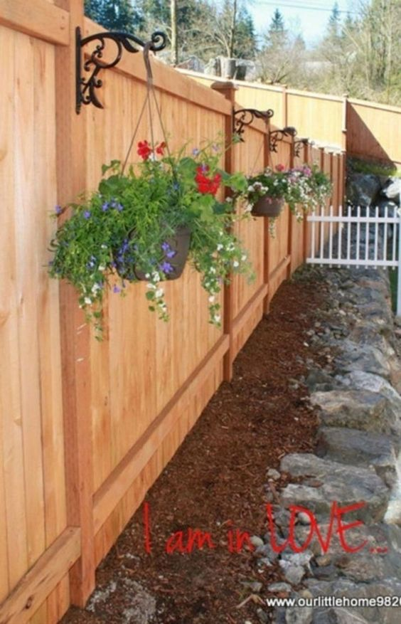Decorate Your Fence – Cheap Fence Ideas for Backyard